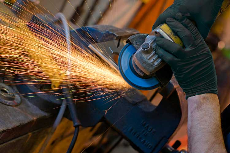 The effects of vibration on the arm and hands when using power tools